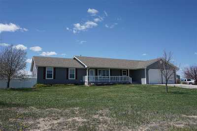 Cheyenne Single Family Home For Sale: 5898 Troyer Drive