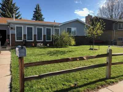 Laramie Single Family Home For Sale: 1709 Symons