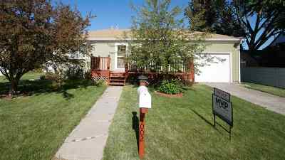 Laramie WY Single Family Home For Sale: $238,000