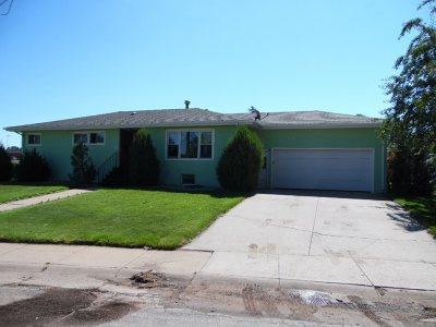 Laramie WY Single Family Home For Sale: $281,000