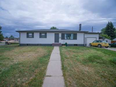 Laramie WY Single Family Home For Sale: $255,000