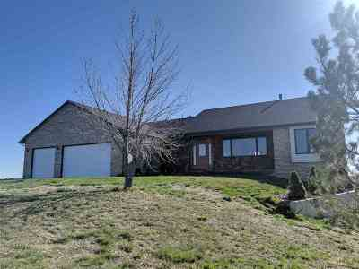 Cheyenne Single Family Home For Sale: 2542 Falling Star Loop