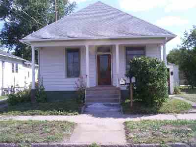 Laramie Single Family Home For Sale: 408 E Park Ave