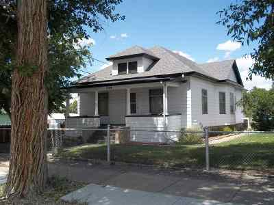 Laramie Single Family Home For Sale: 359 W Ivinson Ave