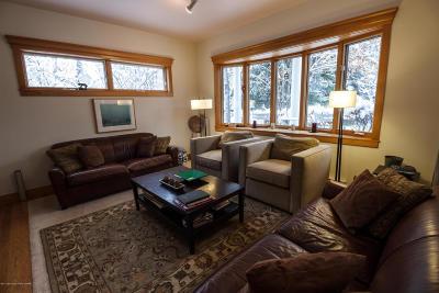 Jackson Single Family Home For Sale: 145 Moran St