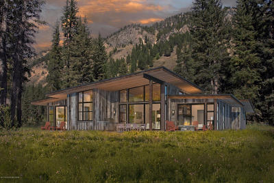 Jackson WY Single Family Home For Sale: $1,695,000