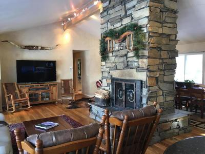 Teton Village, Tetonia, Swan Valley, Victor, Driggs, Jackson, Alta Single Family Home For Sale: 405 Moulton Loop