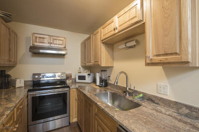Swan Valley, Victor, Jackson, Driggs, Tetonia, Teton Village, Alta Condo/Townhouse For Sale: 355 W Deloney Ave #E-9