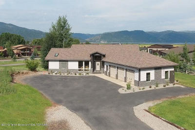 Alpine Single Family Home For Sale: 690 Alpine Village Loop