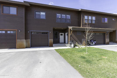 Alpine Condo/Townhouse Pending Contingent: 61 Blue Wing Lane #B
