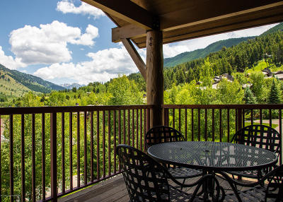 Teton Village, Tetonia, Swan Valley, Victor, Driggs, Jackson, Alta Condo/Townhouse For Sale: 528 Snow King Loop #2840