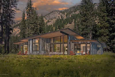 Jackson WY Single Family Home For Sale: $2,395,000