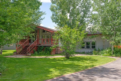 Jackson WY Single Family Home For Sale: $1,195,000