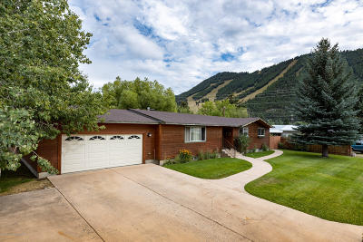 Jackson WY Single Family Home For Sale: $1,395,000