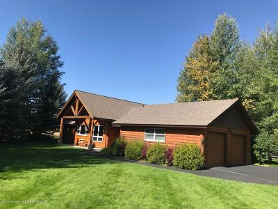 Jackson WY Single Family Home For Sale: $1,049,000