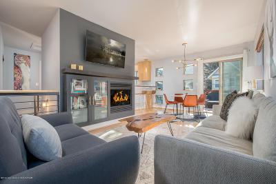 Teton Village, Tetonia, Swan Valley, Victor, Driggs, Jackson, Alta Single Family Home For Sale: 572 E Hall Ave
