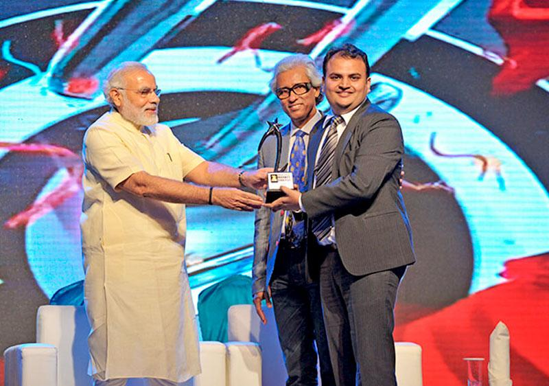 Rajiv Mehta, IIFL Research won India's Best Market Analyst Awards 2013 by Zee Business for Banking
