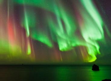 6 Penyebab Terjadinya Aurora Di Daerah Kutub Yang Menakjubkan