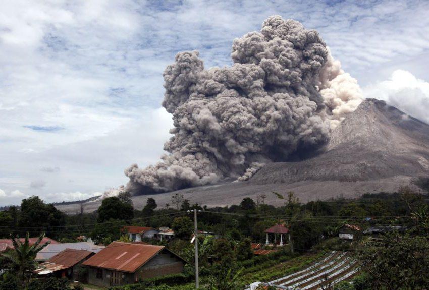 9 Akibat Gunung Sinabung Meletus – Positif dan Negatifnya