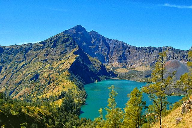 8 Contoh Danau Vulkanik di Indonesia dan Letaknya