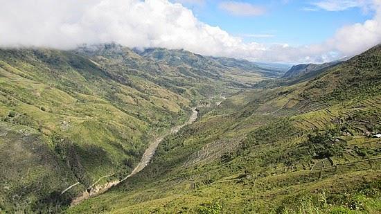 5 Perbedaan Lembah dan Ngarai Terlengkap