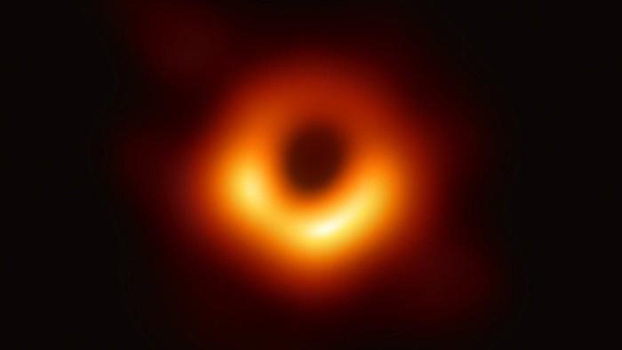 Ini Fakta Lengkap Foto Lubang Hitam (Black Hole) dan Prediksi Tabrakan