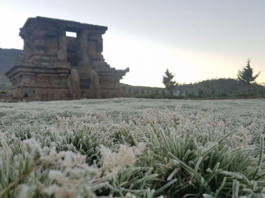 Penjelasan Fenomena Embun Salju di Dieng Terlengkap