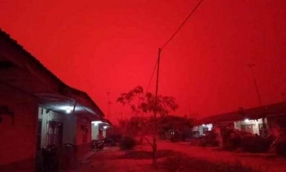 Ini Penyebab Fenomena Langit Merah di Jambi