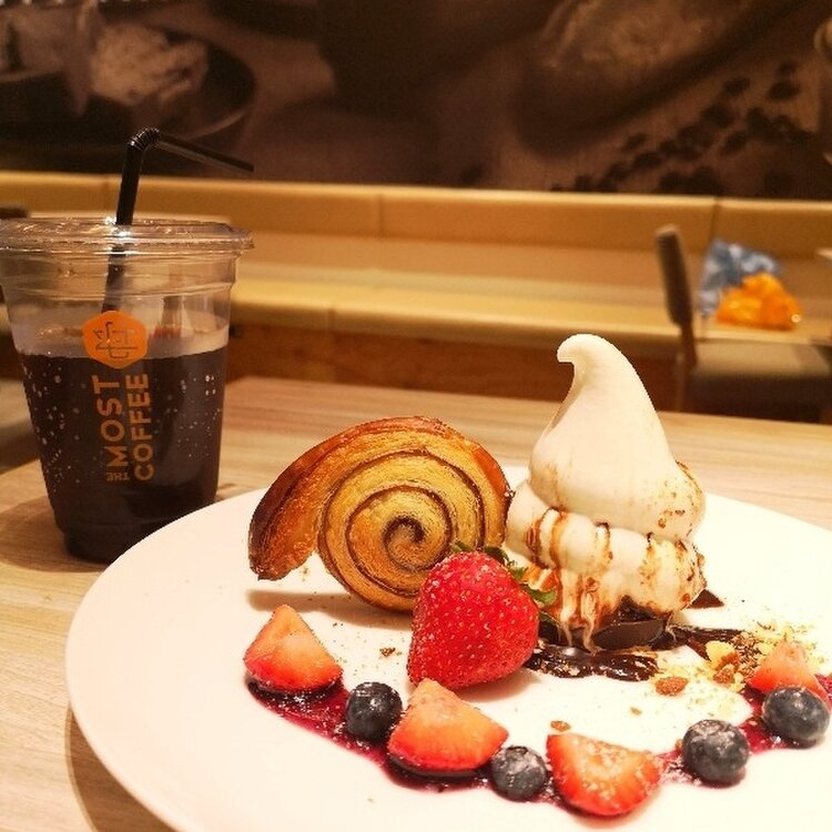 THE MOST BAKERY & COFFEE 三井アウトレットパーク仙台港