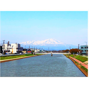 酒田市からの鳥海山