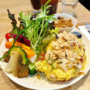 Daylight Brunch Cafe