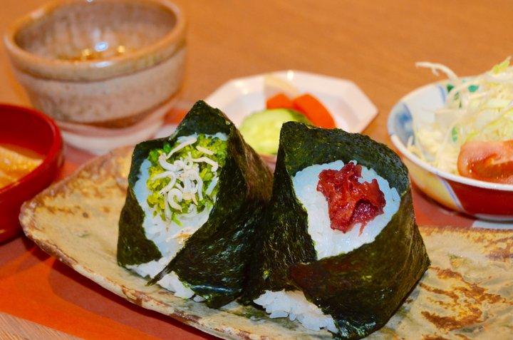 加賀野菜や能登牛など地元食材が自慢のおにぎり