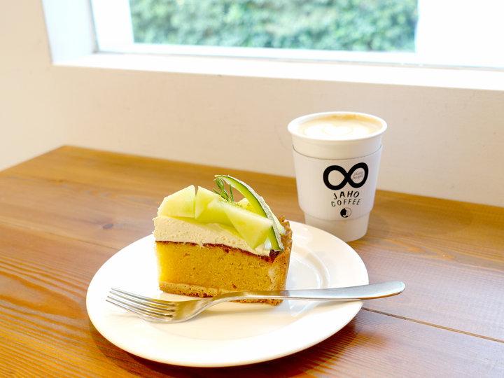 目黒川を見渡せる川沿いカフェ「Jaho Coffee」