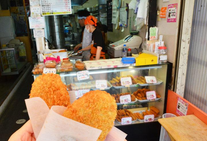 仙台朝市といえばコレ! 行列のできるコロッケ「齋藤惣菜店」