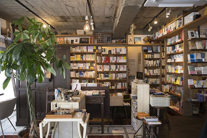 ひとりで、のんびり過ごしたくなる空間「橙書店」