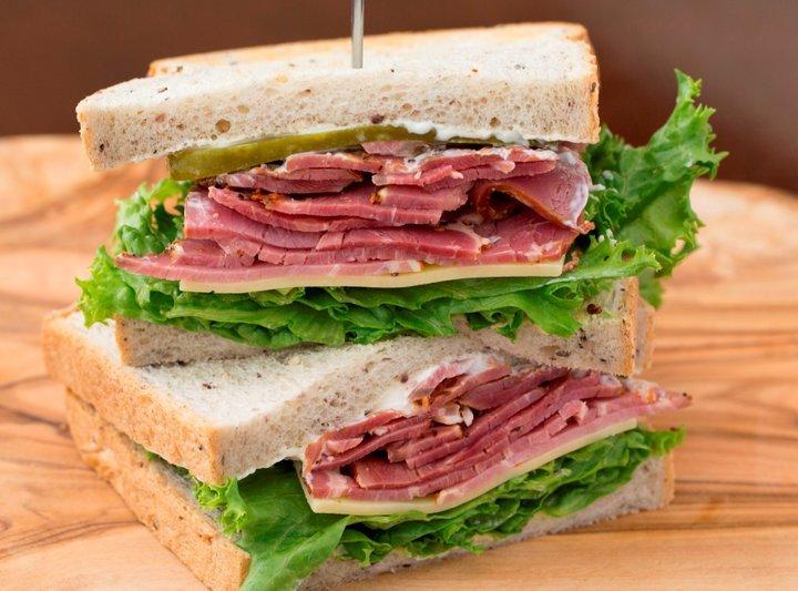 本場ニューヨークの味に出会えるサンドイッチ専門店「キノーズ・マンハッタン・ニューヨーク」