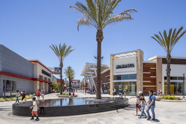 【ロサンゼルス】ディズニーランド・リゾートからすぐ!「ザ・アウトレット・アット・オレンジ」