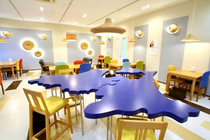 BUNACOに囲まれたカフェで、ティータイムを
