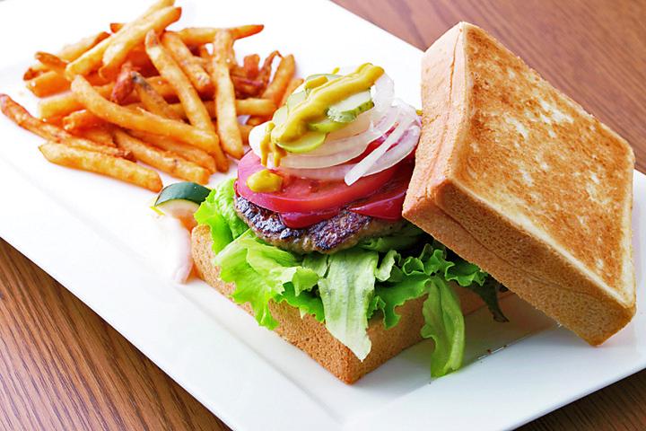 金谷ホテルベーカリーのパンを使った絶品サンドイッチ