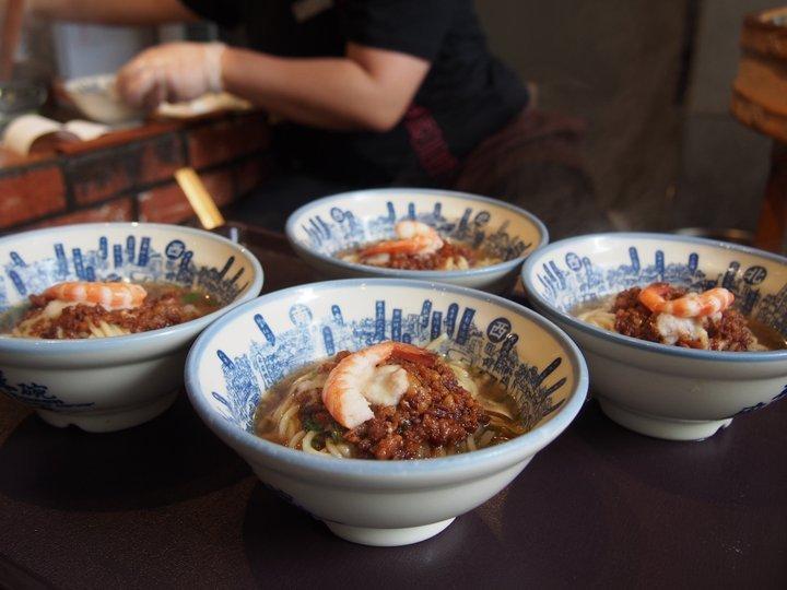 小さめサイズがうれしい「度小月担仔麺」の担仔麺