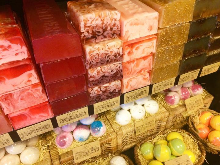 ラトビアで大人気♪植物由来の手作りソープが手に入るアジア1号店「STENDERS」