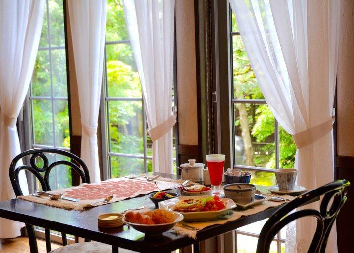 金沢・兼六園からすぐ!日本家屋を改装した小さなホテル「カメリアイン 雪椿」