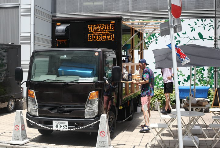 名古屋・矢場町に期間限定でやってきたキッチンカー