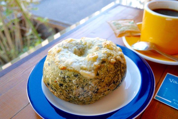 食事系人気No.1ほうれん草とチーズのベーグル