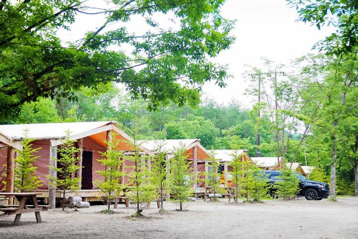 紅葉もきれい!大自然のなか、手ぶらでBBQができる軽井沢のアウトドアリゾート