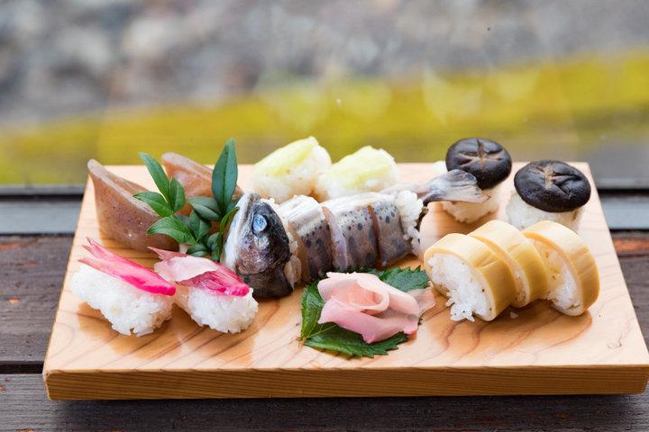ランチはゆずの村で高知の郷土料理をいただきます