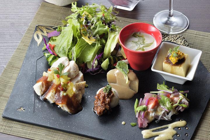 地元の食材を使った和テイストの創作フレンチを