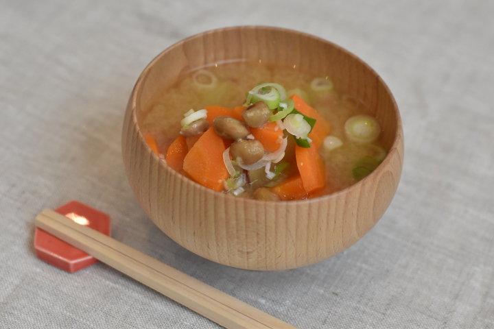 やさしい気持ちになる味噌ベース「とろ〜り納豆スープ」