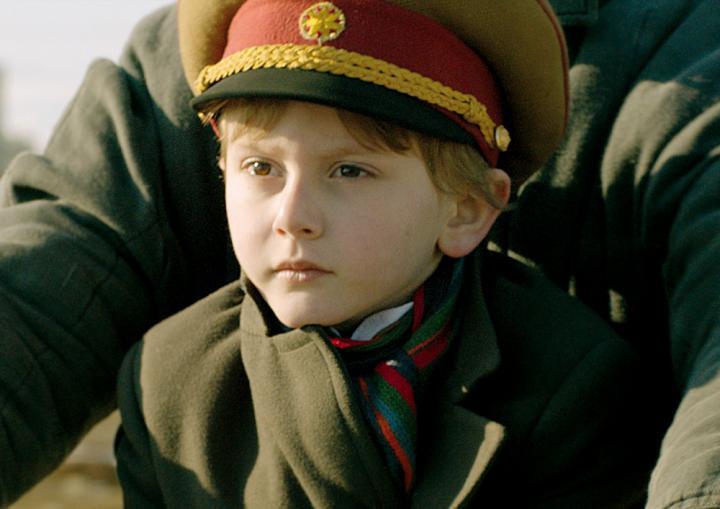 ジョージア(旧グルジア)で撮影が行われた、冷酷な大統領のおじいちゃんと5歳の孫のロードムービー『独裁者と小さな孫』