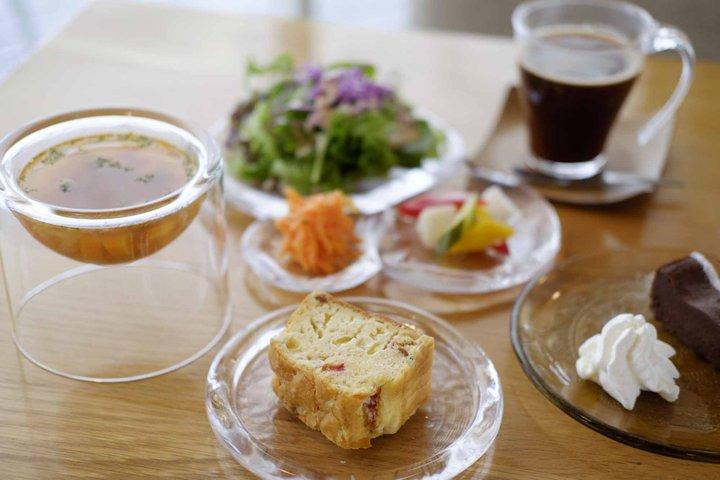 ハンドメイドのガラス器とお料理が魅力「Sghr Cafe Kujukuri 」